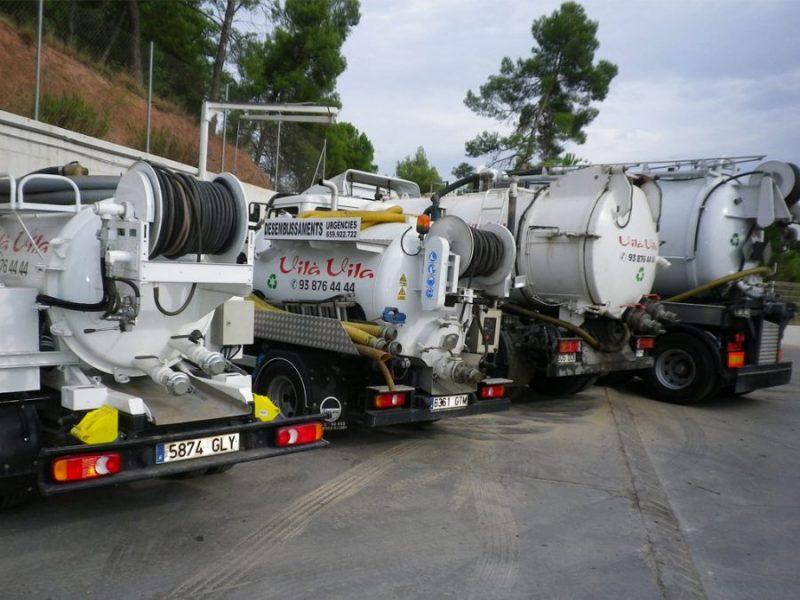 Quatre camions cuba de Vilà Vila